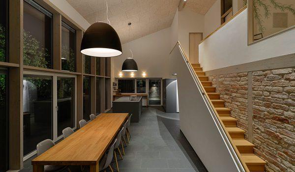mittiger deckenauslass wie trotzdem ein stimmiges. Black Bedroom Furniture Sets. Home Design Ideas