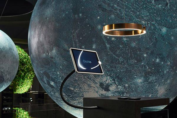 Das Occhio-Universum wird immer größer: die einzigartige Pendelleuchte Mito wurde auf der Light + Building 2016 zum ersten Mal der Öffentlichkeit vorgestellt. Foto: Occhio