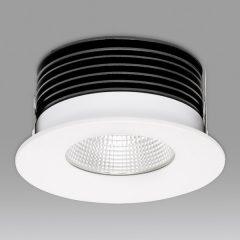 Es gibt auch LED-Leuchten mit kleinerem Kühlkörper für kleine Einbauhöhen. Zum Beispiel das Modell P.34.14 von Prediger.