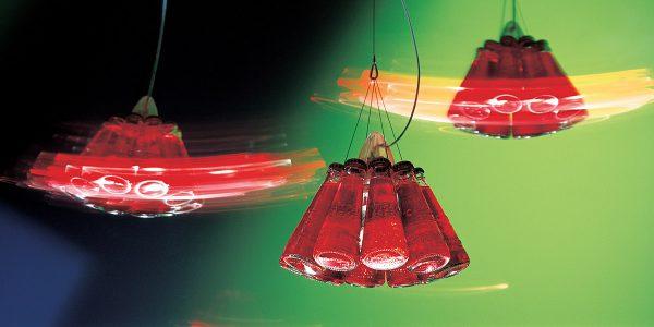 Hingucker, auch in der Küche: Die von Designer Raffaele Celentano für Ingo Maurer entworfene Pendelleuchte Campari Light. Foto: Ingo Maurer