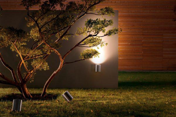 Alleskönner im Außenbereich: Die Leuchten von IP44.de erfüllen seit über 20 Jahren höchste Ansprüche an die Beleuchtung von Haus, Hof und Garten. Foto: IP44.de