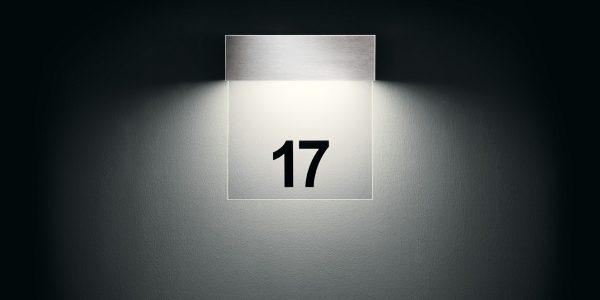 sicherheit und orientierung durch beleuchtete hausnummern prediger lichtjournal. Black Bedroom Furniture Sets. Home Design Ideas