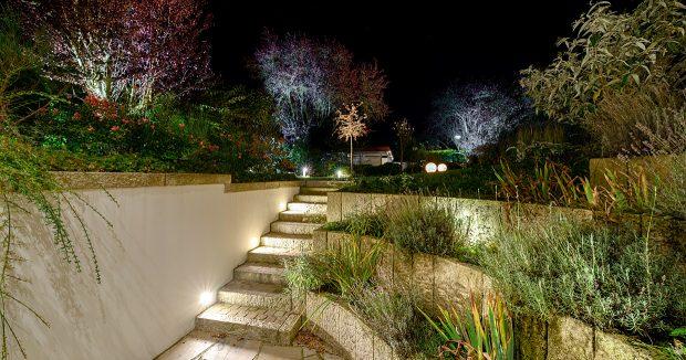 magisches licht unsere tipps f r indirekte beleuchtung im garten prediger lichtjournal. Black Bedroom Furniture Sets. Home Design Ideas