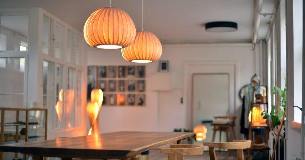 nat rliches licht nachhaltige leuchten aus holz filz und papier prediger lichtjournal. Black Bedroom Furniture Sets. Home Design Ideas