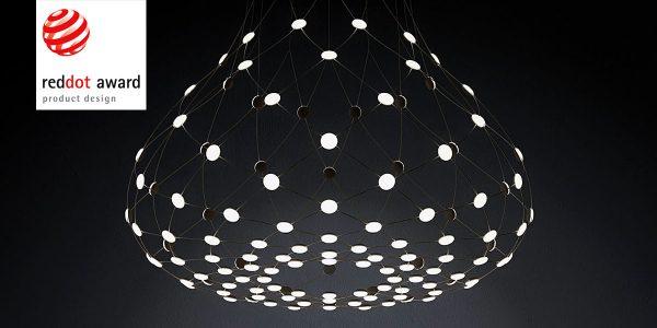 """Mehr Lichtobjekt als Leuchte: Die opulente Pendelleuchte Mesh von Luceplan wurde von der Jury des Red Dot Award 2016 mit der Auszeichnung """"Best of the Best"""" bedacht. Foto: Red Dot"""