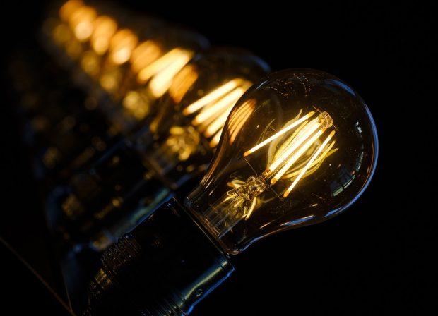 Prediger Lichtberater, Halogenlampen-Verbot