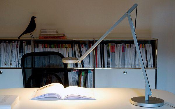 Gutes Licht Am Arbeitsplatz Ist Wichtig, Denn Es Wirkt Stimulierend Und  Fördert So Die Konzentrationsfähigkeit