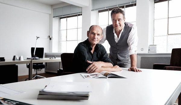Teilen sich seit mittlerweile 30 Jahren das Büro: Manfred Wolf (links) und Jean-Marc da Costa, die ihr Unternehmen serien.lighting bereits zu Studienzeiten gründeten.