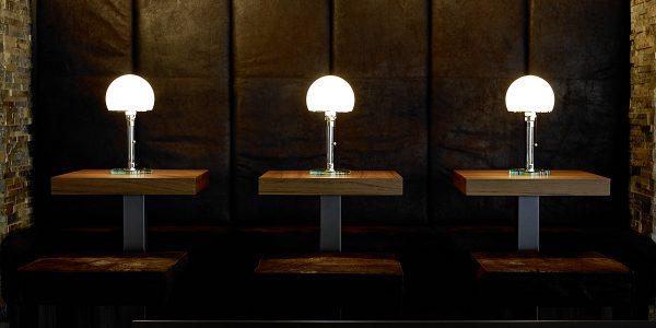 Eine absolute Stilikone: Die Bauhaus-Leuchte Wagenfeld WA24/WG24 von Tecnolumen gibt es im Prediger Online-Shop bis Weihnachten zum Vorzugspreis. Fotos: Hersteller