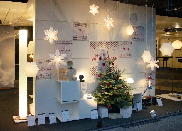Vorweihnachtliche Stimmung im Showroom Hamburg mit Geschenkideen von Artemide, Catellani & Smith, Le Klint, Tecnolumen und prediger.base.