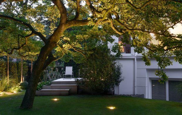 Licht im Garten - Baumbeleuchtung mit Bodeneinbaustrahler