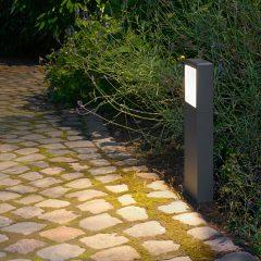 Licht im Garten - Wegebeleuchtung mit prediger.base-Pollerleuchte