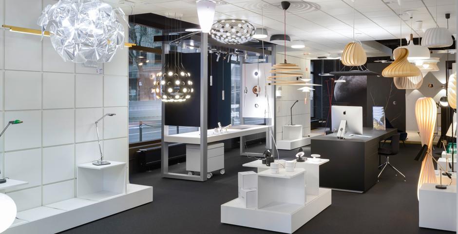 Hier finden Sie eine große Auswahl hochwertiger Leuchten von namhaften Herstellern.