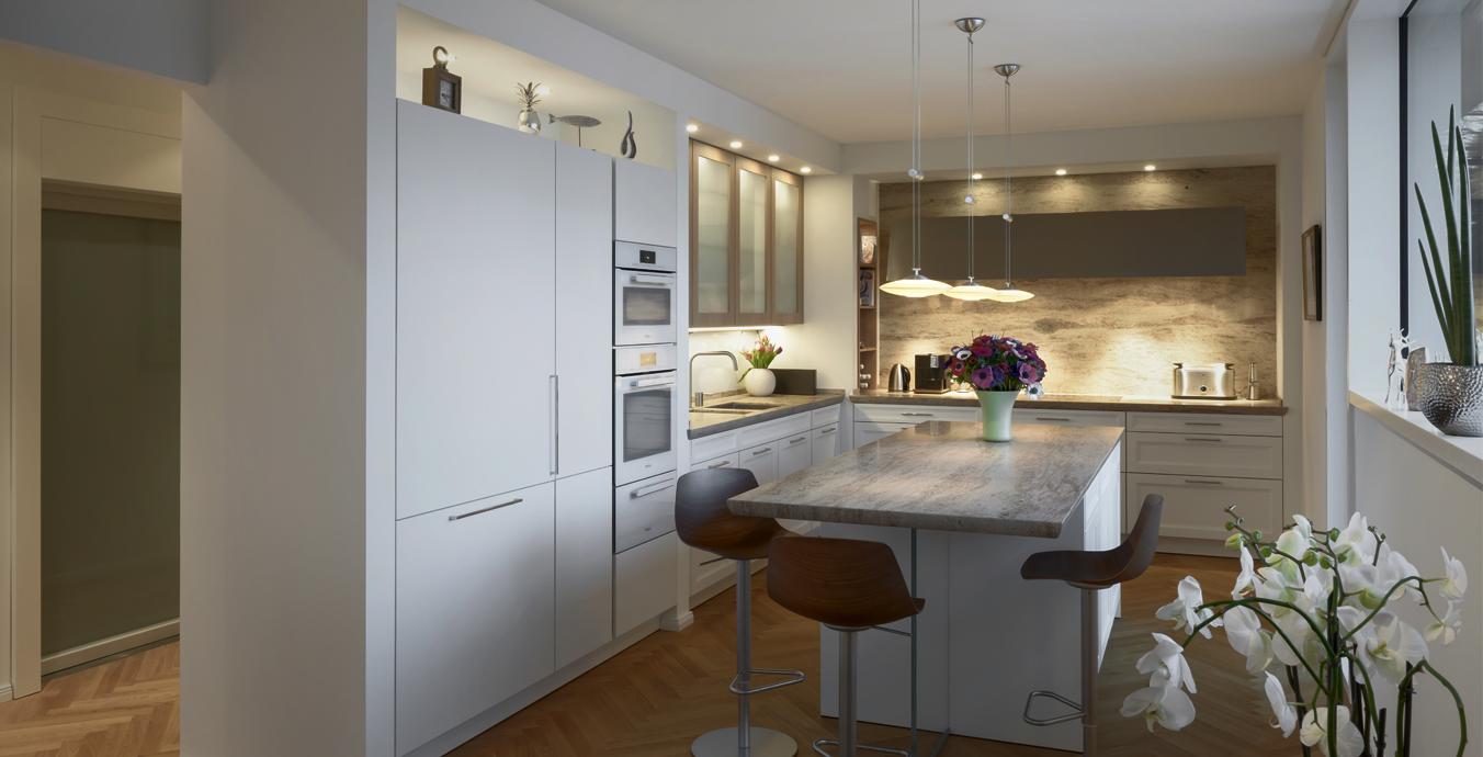 Sanfte Beleuchtung auch in der Küche: Unter anderem mit der Luna Uno Grande von LDM.