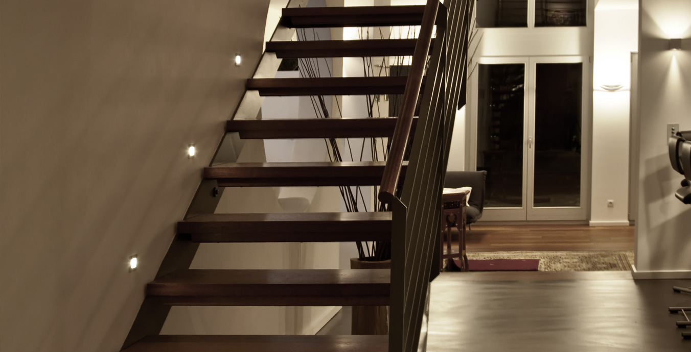 Beleuchtung der Treppe.