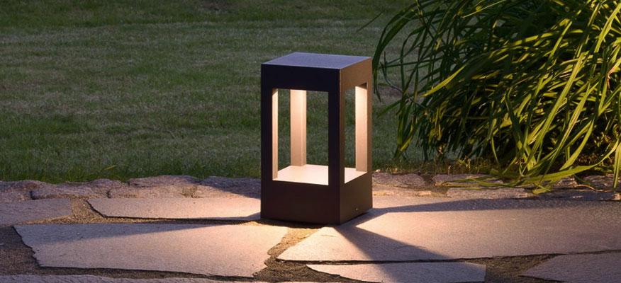 Außenleuchten Sockelleuchten - prediger.base p.039 Abgeblendete LED Poller- und Sockelleuchten